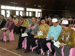 Ustaz Sulaimin, Ustaz Maarof dan Ustaz Lokman turut membantu menjayakan ihtifal tersebut
