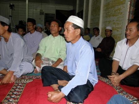 Khusuk dengan penerangan Tuan Haji Nicholas Sylevester