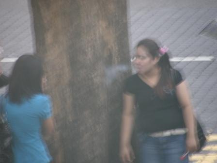 Bergaya dengan asap rokok