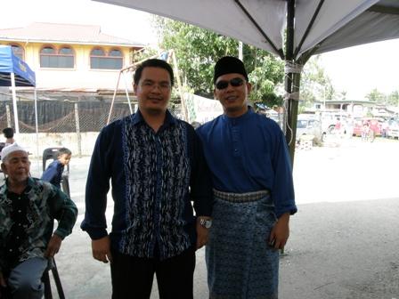 Bergambar dengan Saudara Azman Haji Ruslan