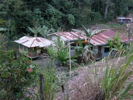 Surau di Kampung Kitau Tambunan