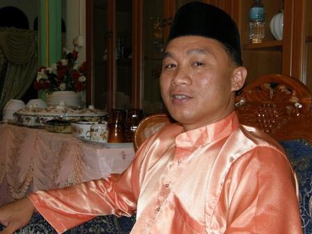 Ustaz Azmi turut hadir sama pada rumah terbuka Ustaz Lokman
