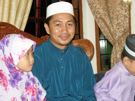 Ustaz Sulaimin dan anak kesayangan turut hadir sama pada rumah terbuka Ustaz Lokman