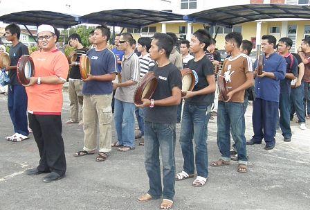 Latihan Intensif Kompang Sempena Hari Jadi TYT Sabah