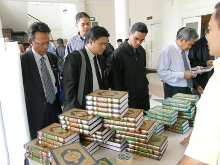 Pameran Al-Quran untuk tujuan wakaf