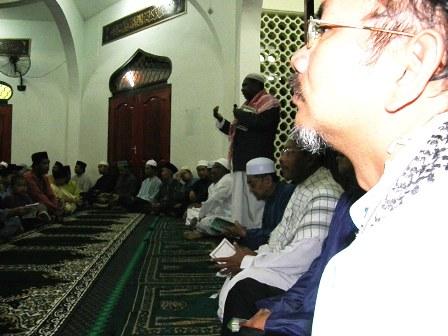 Taklimat sebelum memulakan majlis tahlil dan doa