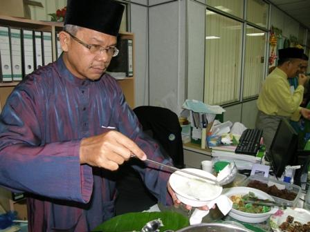 Ustaz Awaludin peminat utama bubur durian